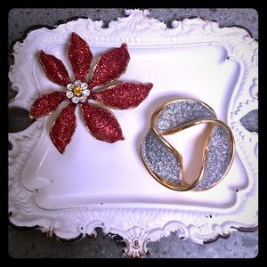 2 Vintage 🎄 Christmas Brooches